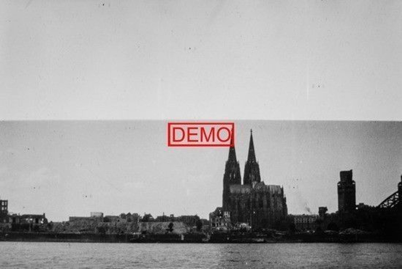 1942-1945 10x15cm Foto vom Dia  zerstörtes Köln am Rhein u.v.m