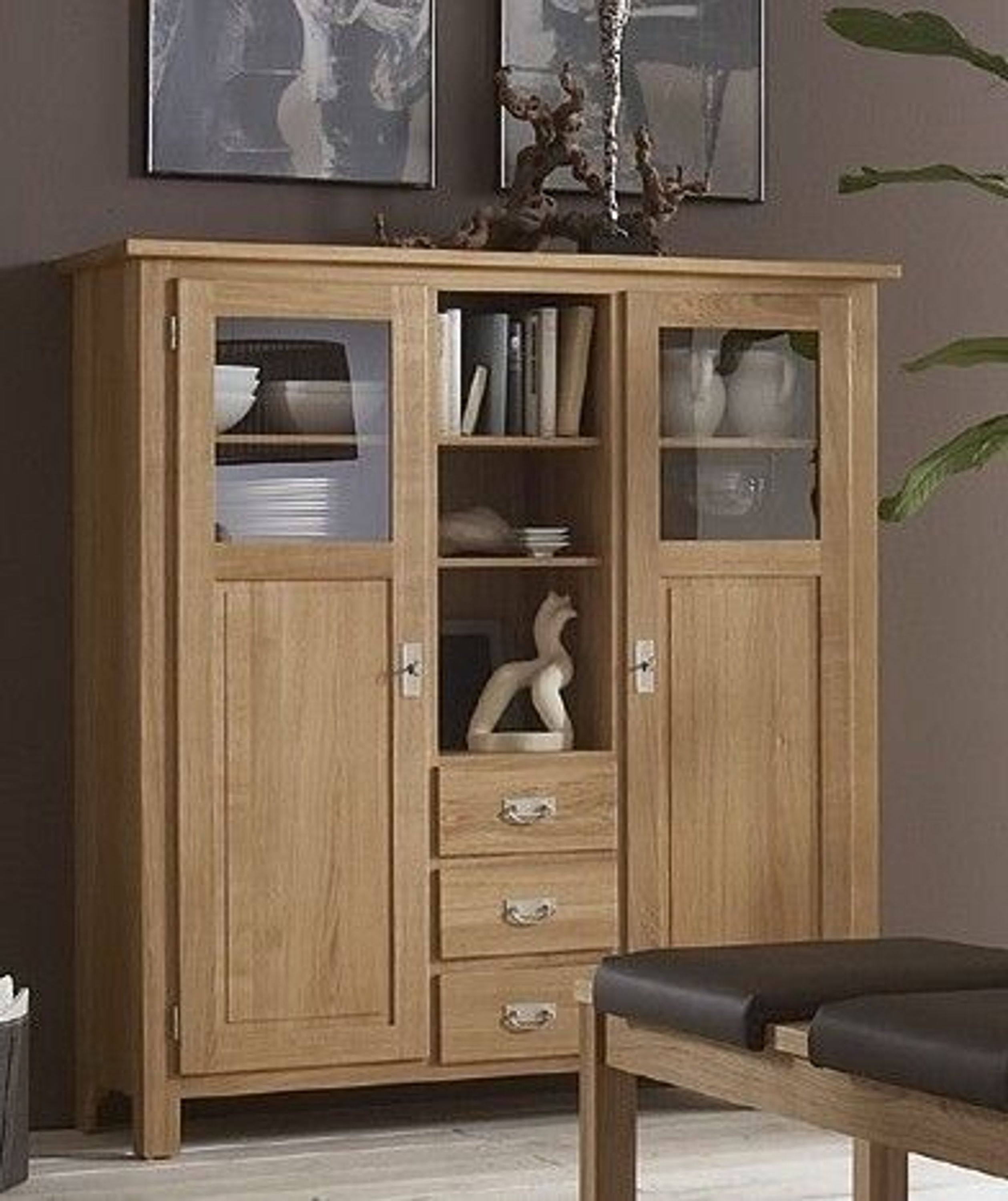highboard vitrinenschrank sideboard wohnzimmerschrank eiche massiv ge lt kaufen bei. Black Bedroom Furniture Sets. Home Design Ideas
