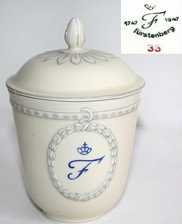200 jahre f rstenberg porzellan dose mit deckel 1747 bis 1947 kaufen bei. Black Bedroom Furniture Sets. Home Design Ideas