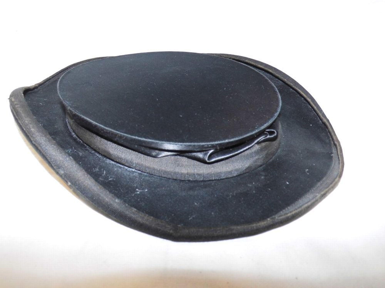 e189c7bad391 Antiker Chapeau Claque um 1900   faltbarer Zylinder   Hut, Größe ca. 56.  Doppelt tippen zum Vergrößern