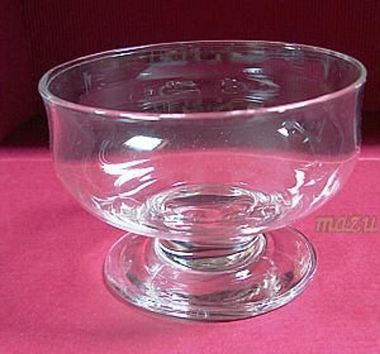 glasschale mit fuss f r viele m glichkeiten kaufen bei. Black Bedroom Furniture Sets. Home Design Ideas