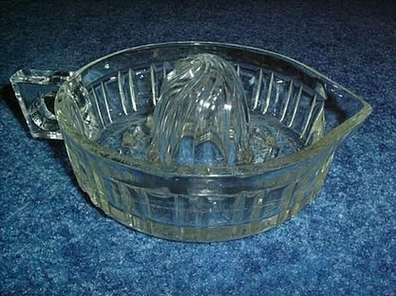 alte zitronenpresse aus glas seltene form gebraucht kaufen bei. Black Bedroom Furniture Sets. Home Design Ideas