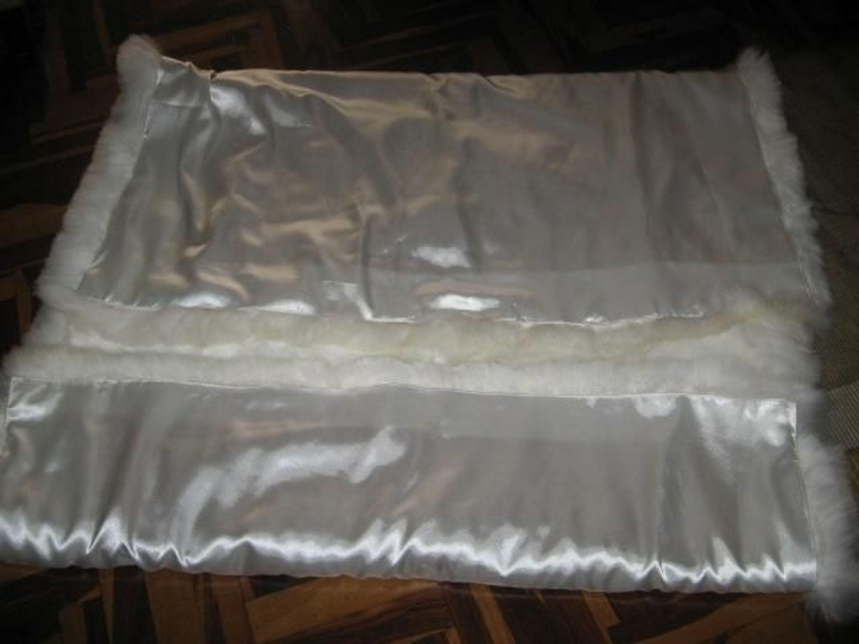 weisser alpaka fellteppich aus peru kaufen bei. Black Bedroom Furniture Sets. Home Design Ideas