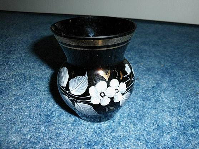 wundersch ne alte vase mit emailmalerei schwarz wei gold 60er jahre gebraucht kaufen bei. Black Bedroom Furniture Sets. Home Design Ideas