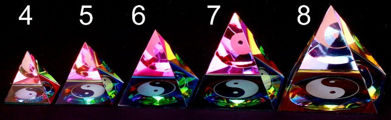 ying yang Pyramide 4 cm bunt aus Kristallglas Feng Shui Kristall Glas 100