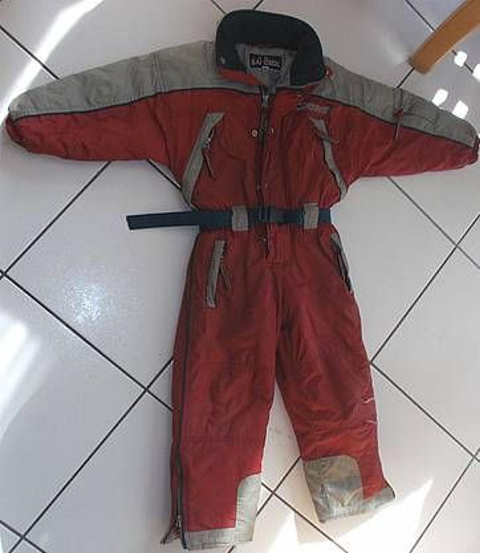 wattierter schneeanzug von sport sandsoil mit kapuze gr 110 grau rot 4 taschen gebraucht. Black Bedroom Furniture Sets. Home Design Ideas