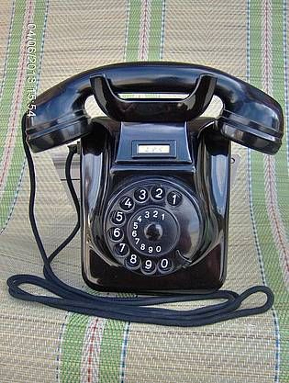 altes bakelit telefon w 49 hagenuk kiel 1953 h ng u steh gebraucht kaufen bei. Black Bedroom Furniture Sets. Home Design Ideas