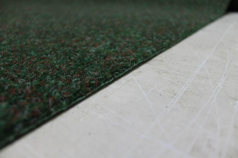 kunstrasen rasen teppich farngr n 1 a mit drainagenoppen g nstig kaufen bei. Black Bedroom Furniture Sets. Home Design Ideas