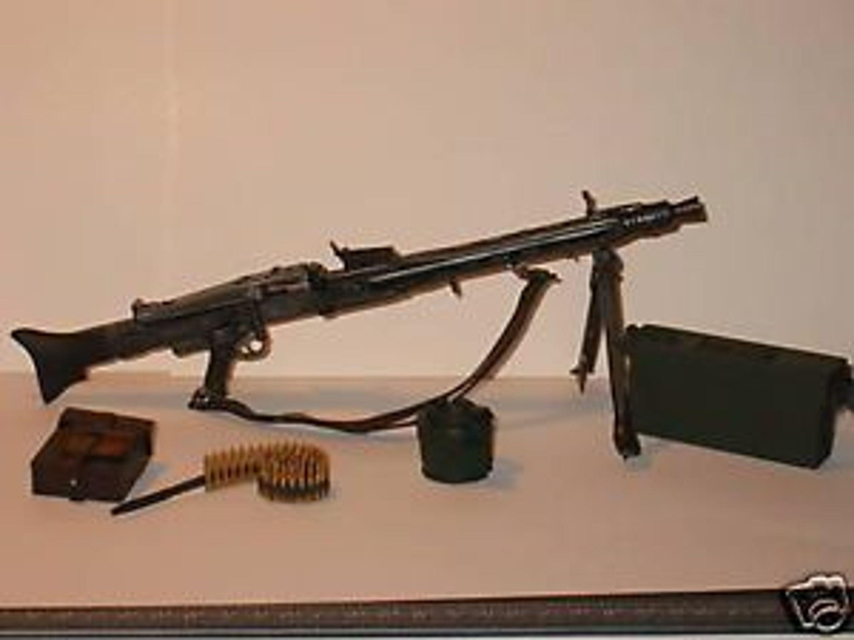 dragon deutsches maschinengewehr der wehrmacht mg 42 ausr stung kaufen bei. Black Bedroom Furniture Sets. Home Design Ideas
