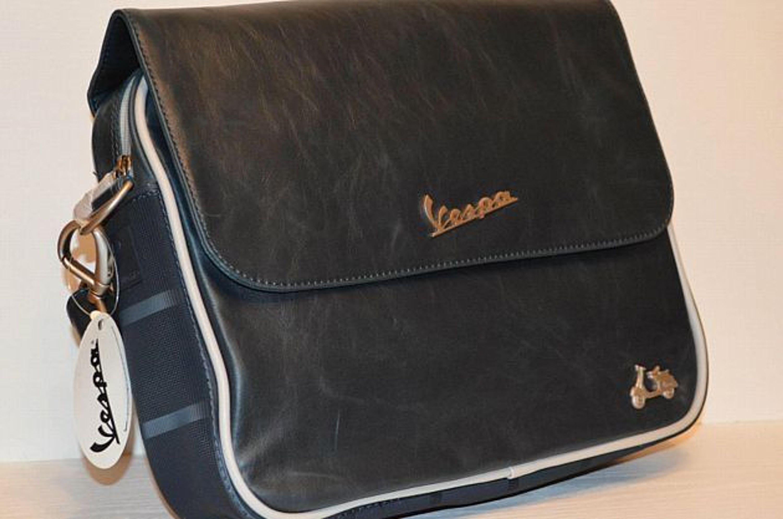 vespa tasche vintage kaufen bei farbrichtung blau material kunstleder. Black Bedroom Furniture Sets. Home Design Ideas