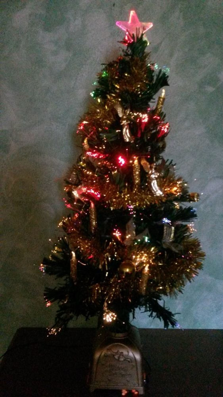 Weihnachtsbaum tannenbaum beleuchtet mit musik glasfaser - Glasfaser weihnachtsbaum ...