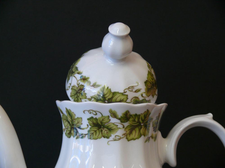 kaffeekanne teekanne bavaria porcelaine wunsiedel porzellan mit trauben bl tter kaufen bei. Black Bedroom Furniture Sets. Home Design Ideas