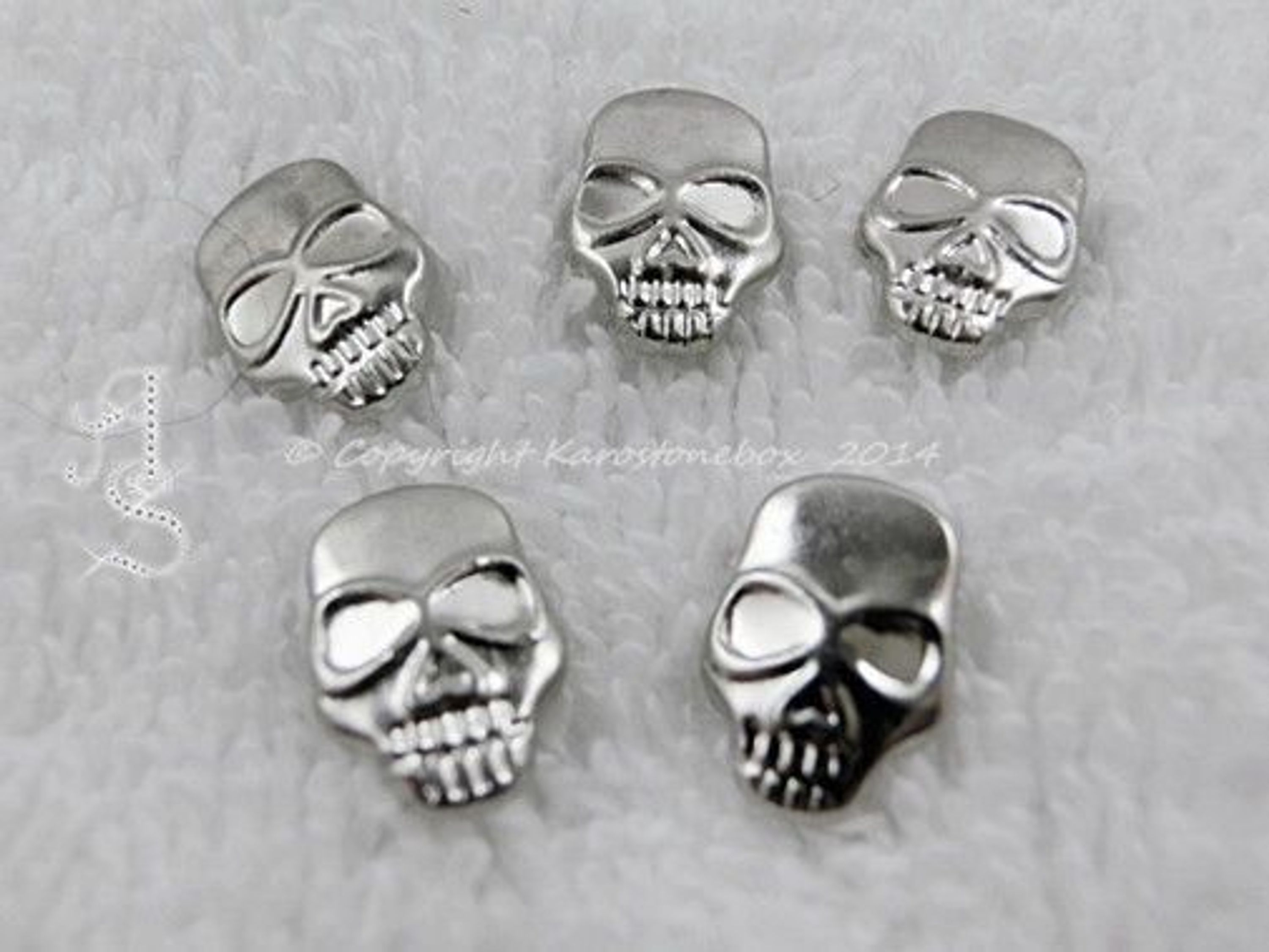 10 hotfix totenkopf b gelnieten nieten zum aufb geln silber karostonebox kaufen bei. Black Bedroom Furniture Sets. Home Design Ideas