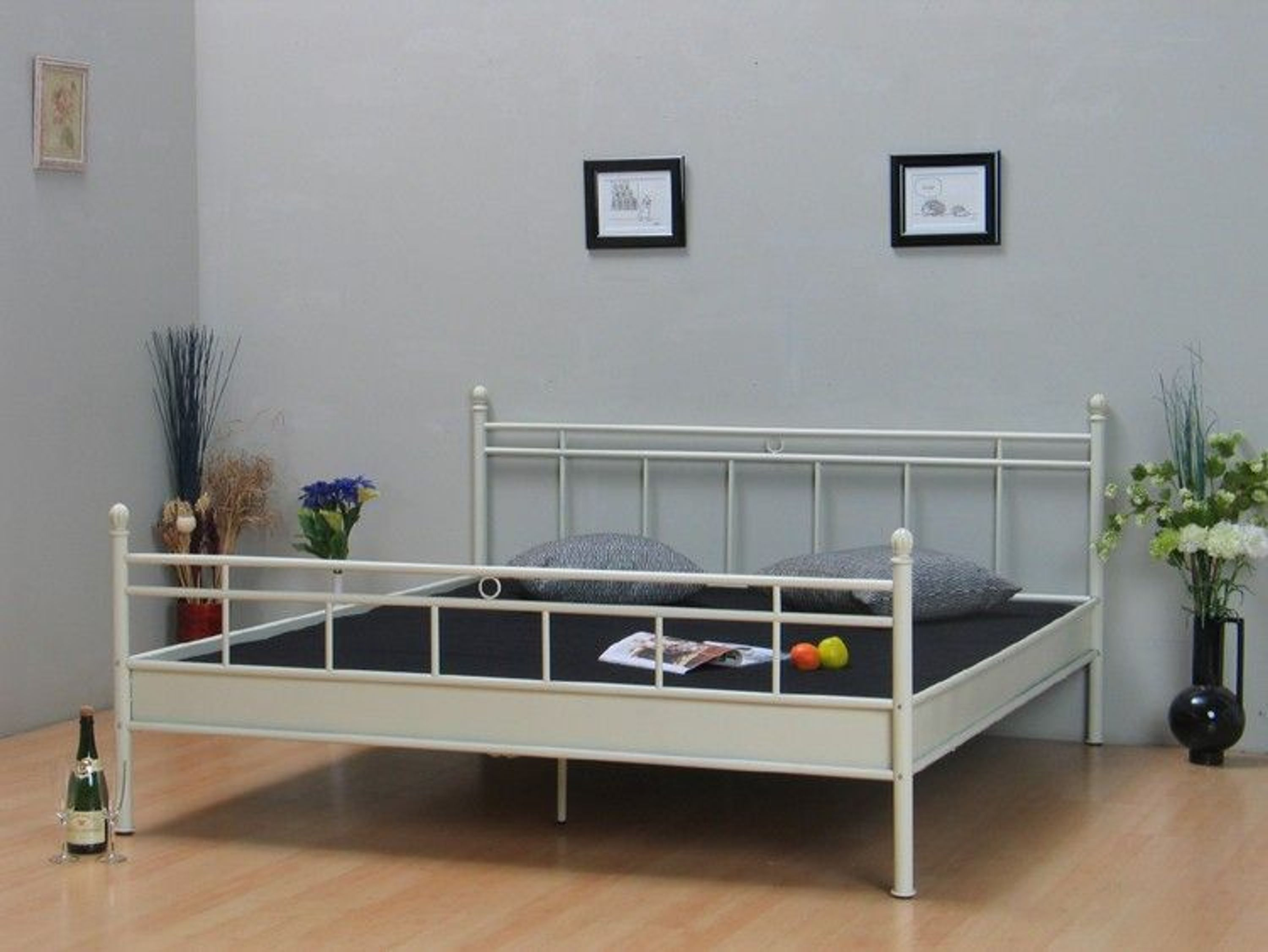 metallbett 180x200 doppelbett bett ehebett vanilla neu kaufen bei. Black Bedroom Furniture Sets. Home Design Ideas