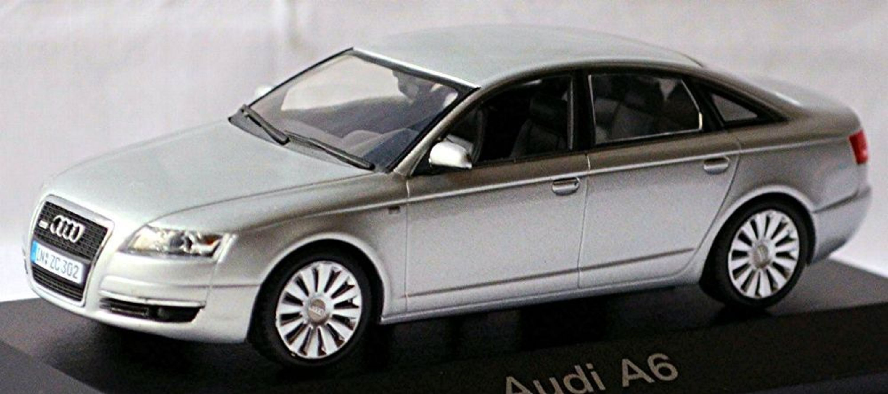 audi a6 limousine c6 typ 4f 2004 08 lichtsilber silver metallic 1 43 ebay. Black Bedroom Furniture Sets. Home Design Ideas