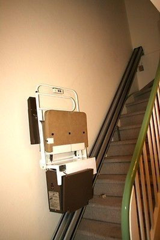 personenlift lift treppenlift aufzug sitzlift behindertenaufzug 1 etage ca 3 m kaufen bei. Black Bedroom Furniture Sets. Home Design Ideas