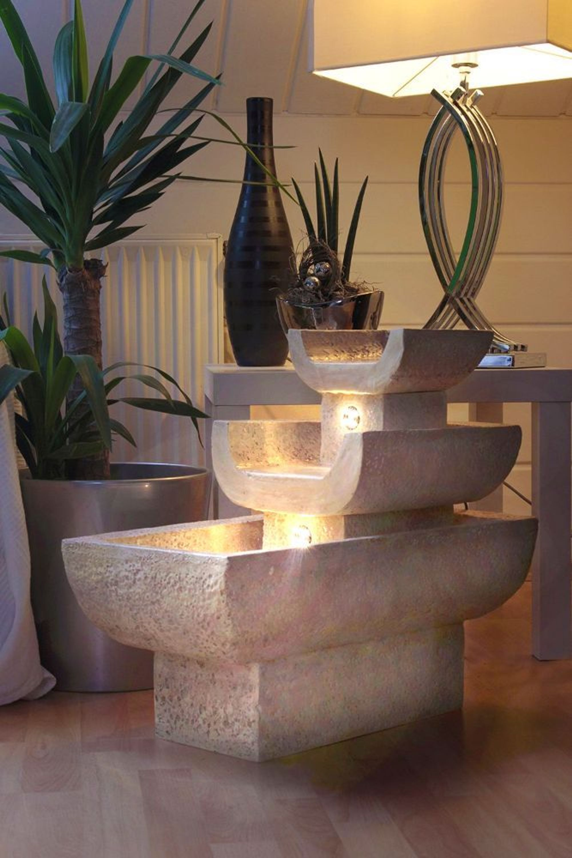 zimmerbrunnen mediterran mit led beleuchtung springbrunnen. Black Bedroom Furniture Sets. Home Design Ideas