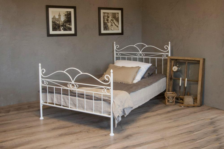 vintage flair metallbett 160x200 in weiss ecru oder. Black Bedroom Furniture Sets. Home Design Ideas