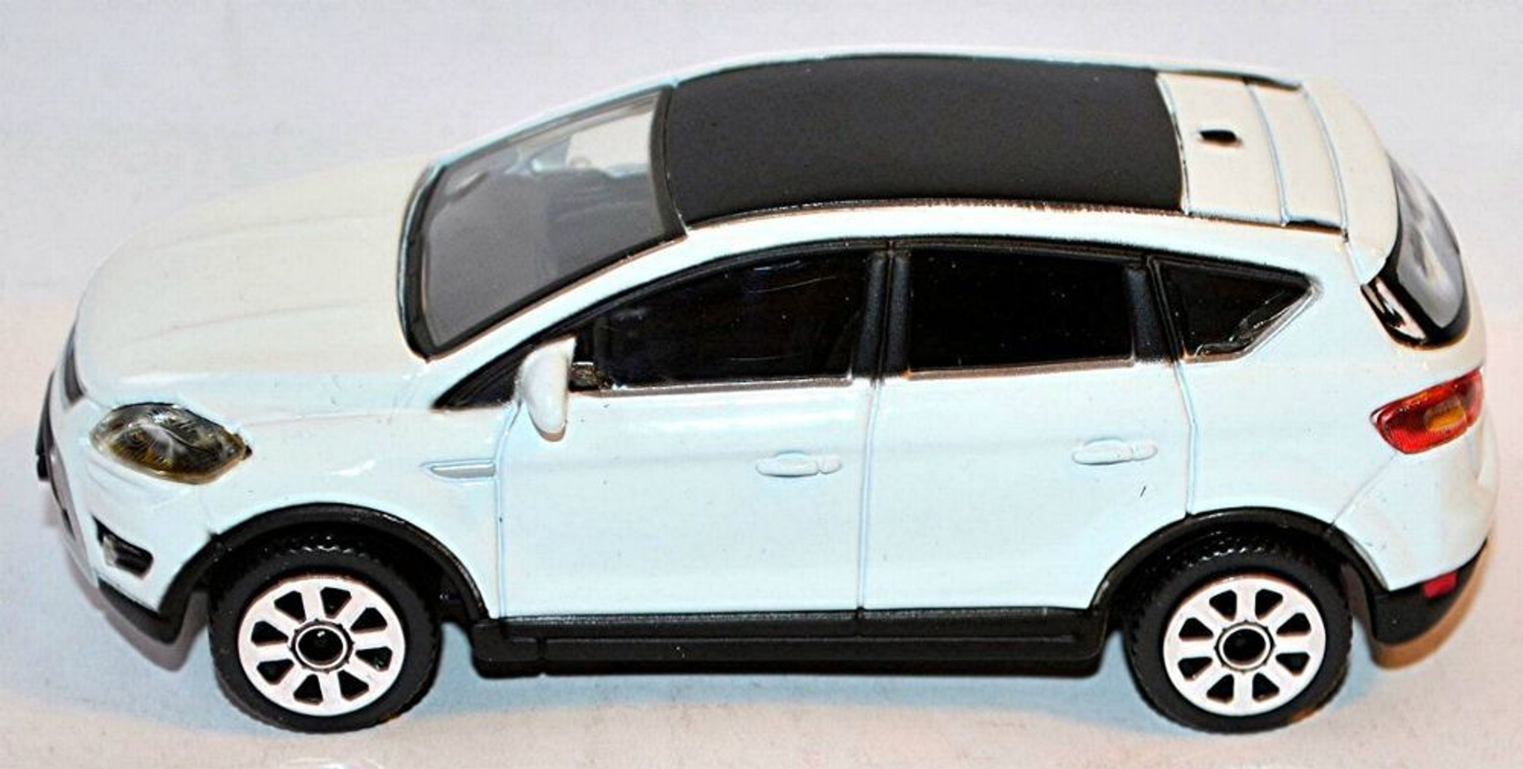 ford kuga 08 suv 2008 12 wei white 1 43 bburago kaufen. Black Bedroom Furniture Sets. Home Design Ideas