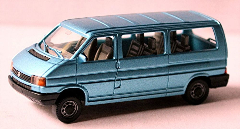 vw t4 lr typ 70 bus mit heckklappe 1990 95 hellblau light. Black Bedroom Furniture Sets. Home Design Ideas