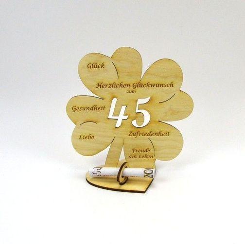 Geburtstagsgruss Mit Sektglasern Und Geschenk Zum 45 Geburtstag
