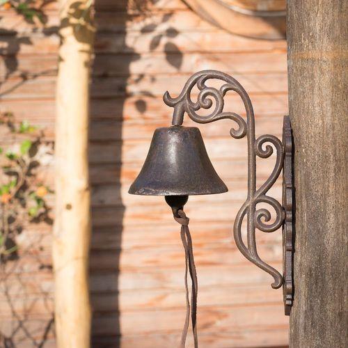 im Landhausstil Stilvolle Glocke mit floraler Form Haustürglocke wie Antik