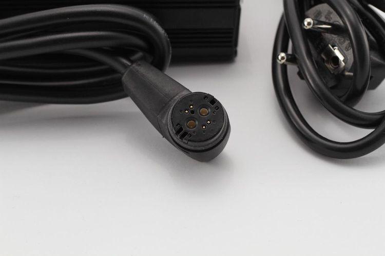 E Bike Fahrad Netzteil AC Adapter QQE144-8CH15-L Ladegerät Pedelec S//N 14070079