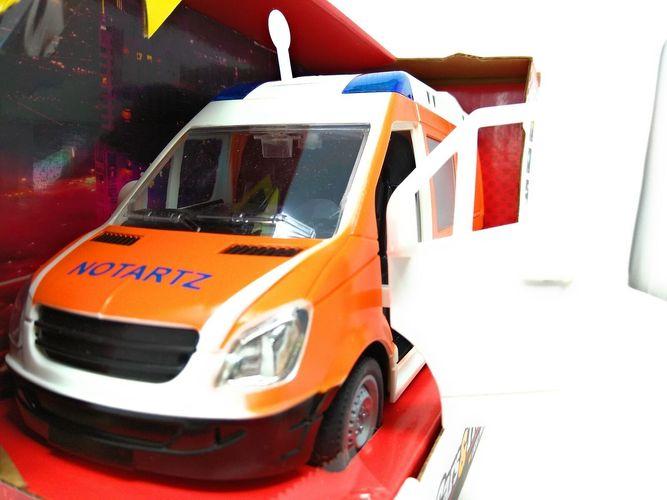 Krankenwagen Notarzt Blaulicht Sirene Rettungswagen