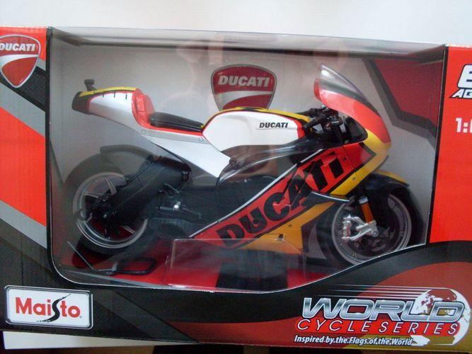 Ducati Desmosedici `11 Flagge schwarz//rot//gold Maisto Motorrad Modell 1:6