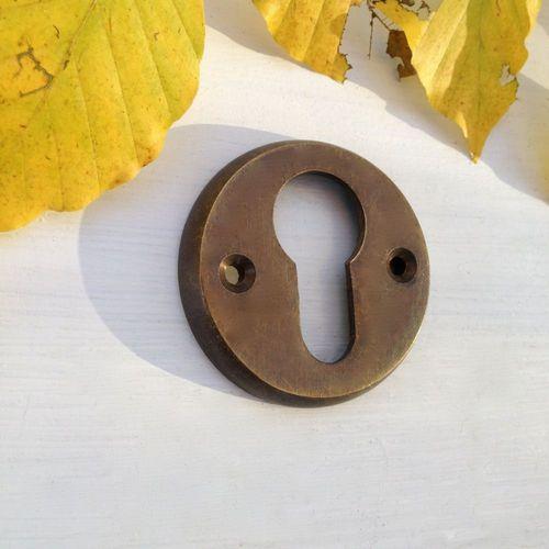 PZ Rosette für die Haustür Schlüsselloch Rosette in Messing patiniert