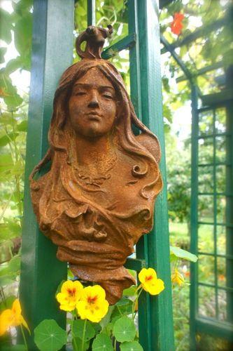 NEU! Schöner Frauenkopf aus Gusseisen Jugendstil